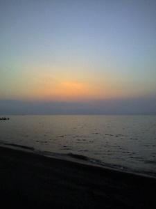湖に沈む夕焼け(byきなこ)